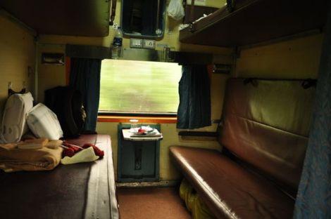 Compartimento da classe 2AC onde fiz as viagens de ligação entre Delhi e Chennai